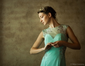 Naiya portrait turquoise dress