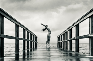 Dancing on the pier - with Elvira Wolfe